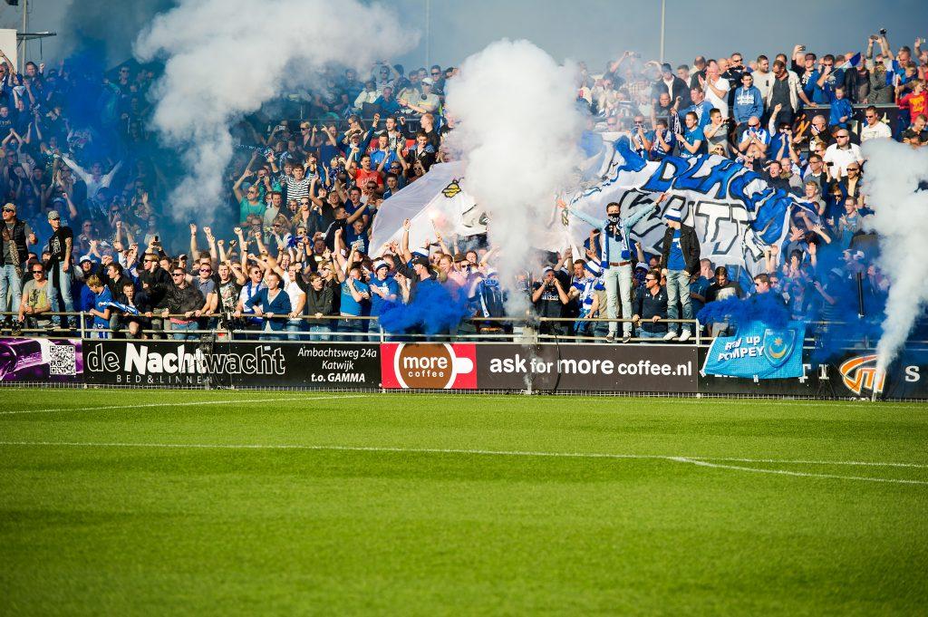 01-11-2014: Voetbal: Quick Boys v Katwijk: Katwijk Hoofdklasse B zaterdag